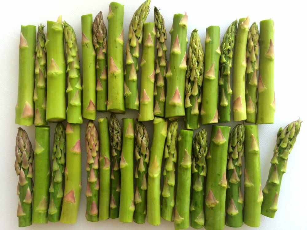 Asparagus cut