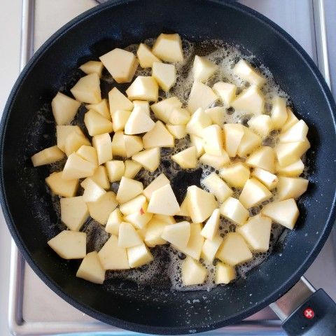Apples and butter in Swiss Diamond XD Nonstick Skillet