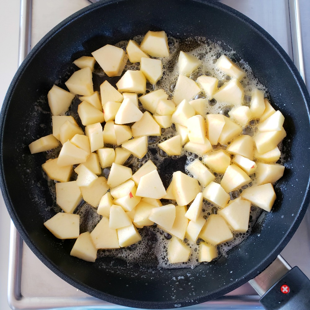 Apples and butter sizzle in Swiss Diamond XD Nonstick Skillet