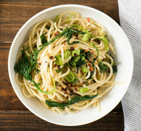 Change up what you think you know about Pasta Puttanesca by eliminating the tomato sauce and creating a green version! Green Pasta Puttanesca is light on the pasta and amped up with plenty of flavorful healthy greens, for about 210 calories per serving.