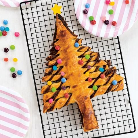 Flaky Nutella Tree Pastry on ShockinglyDelicious.com