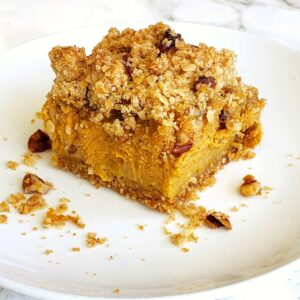 Pumpkin Pie Bars with Oat Crumble Topping on ShockinglyDelicious.com